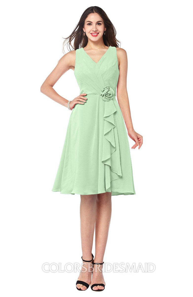 41af1a21bc9 ColsBM Melissa Light Green Sexy V-neck Sleeveless Chiffon Knee Length Plus  Size Bridesmaid Dresses