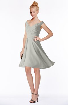 ColsBM Chloe Platinum Classic Fit-n-Flare Zip up Chiffon Knee Length Ruching Bridesmaid Dresses