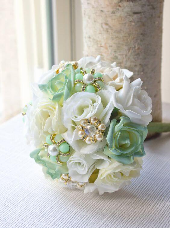 Wedding bouquets for Mint and gold wedding