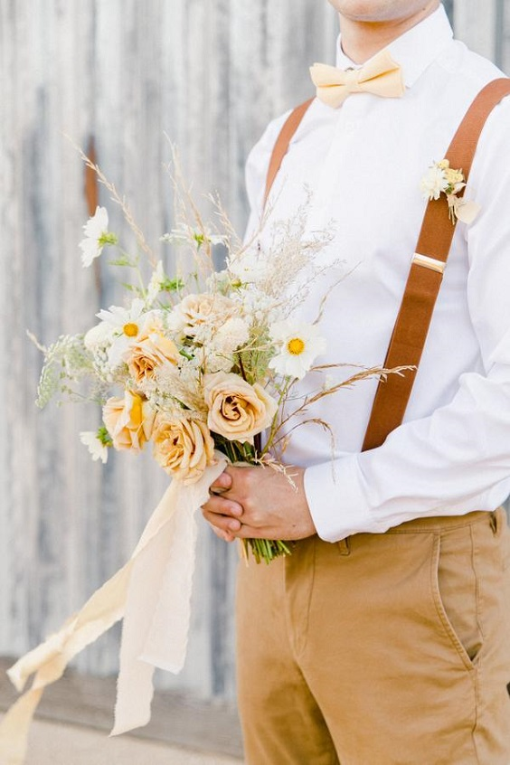 pale yellow men's tie for April wedding colors 2022 pale yellow and white colors