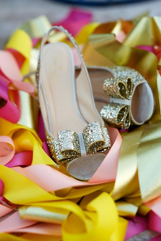 gold wedding shoes for sping wedding colors 2022 fuschia turquoise gold colors