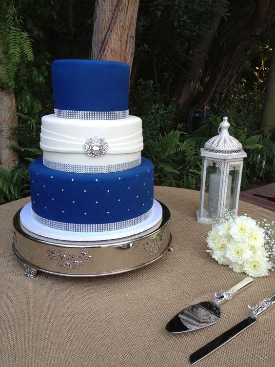 Bright Royal Blue and Metallic Silver Winter Wedding Color Ideas ...