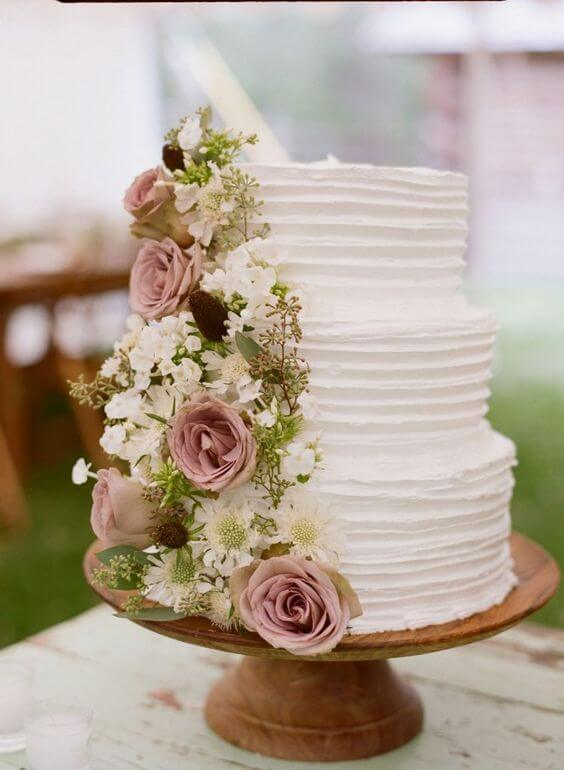 Wedding cakes for Mauve March wedding