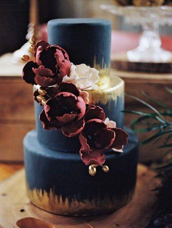 weddng cake for Navy and Wine wedding